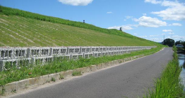 堤防のドレーン工カゴボックス多段積みタイプ実績紹介(2011年5月記事再アップ)