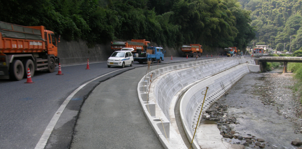 ガードレール基礎「プレガードII」実績紹介(2011年12月記事再アップ)