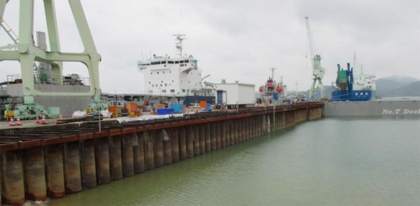海上での足場・支保工を省いた残存型枠による桟橋増設工事のご紹介