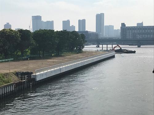 大型矢板護岸ブロックで老朽化護岸を改修 のご紹介